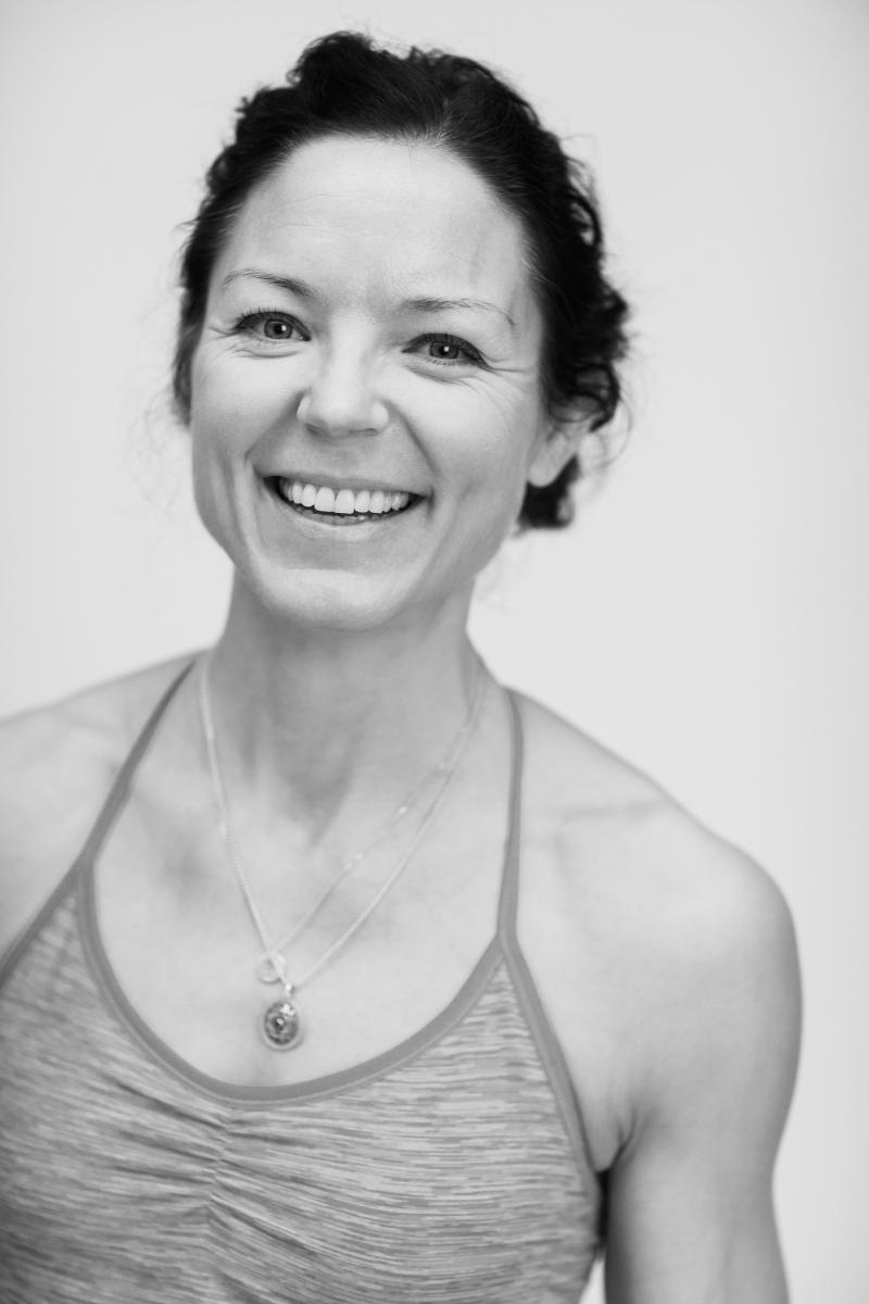 Mariell_Ehlin vinyasayoga pilates complete