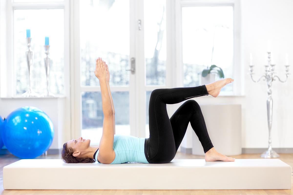 neutral imprint single leg lift pilates complete