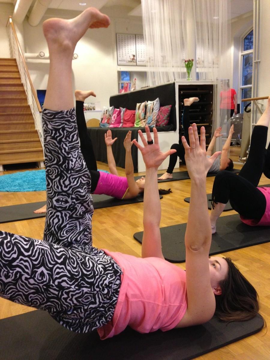 garuda pelvic tilts pilates complete