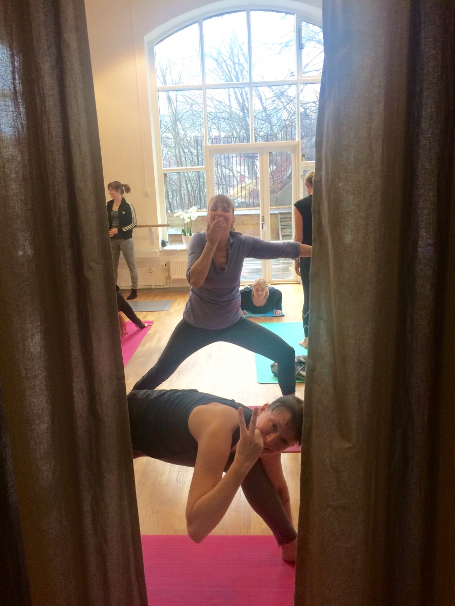 Global yoga utbildning pilates complete