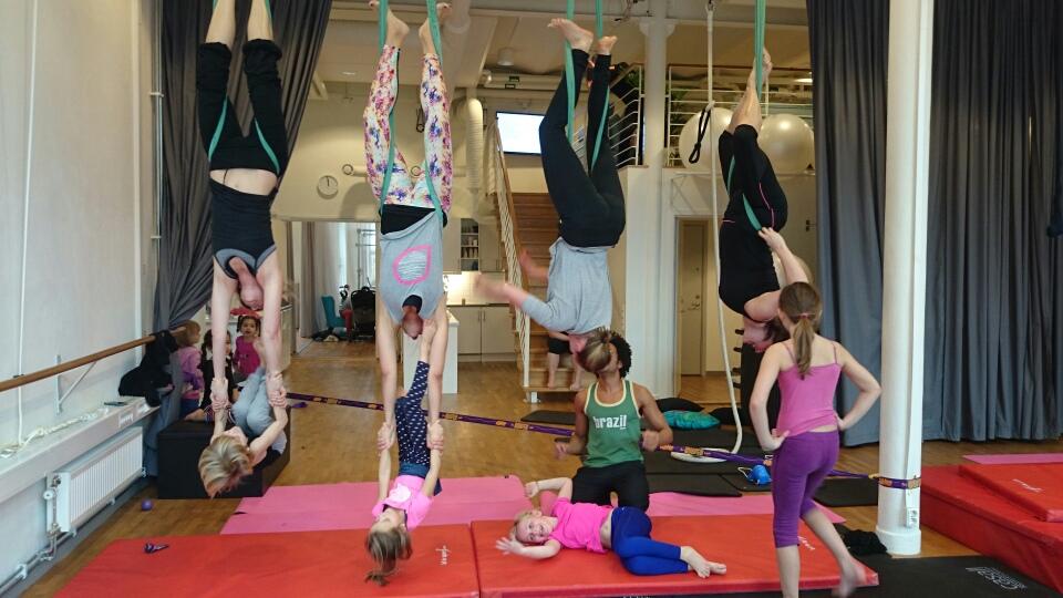 akrobatik förädrar barn