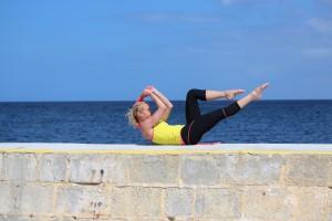 pilates complete single leg stretch
