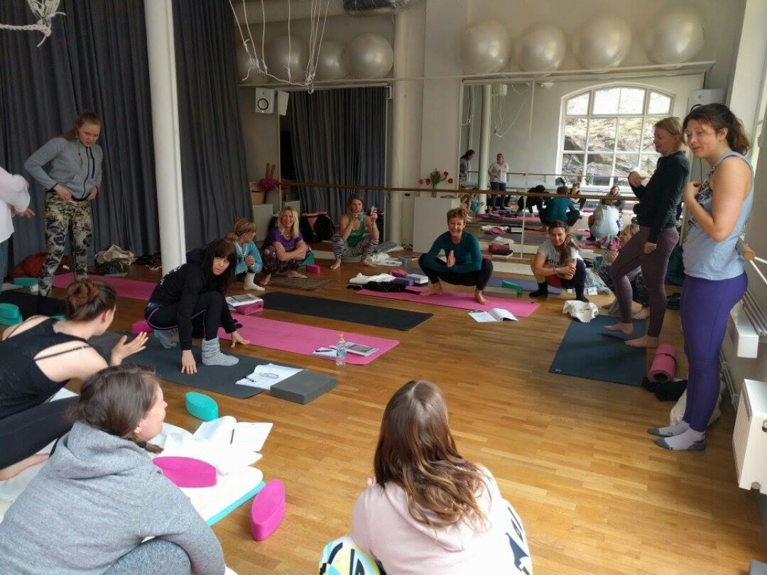 global yoga yin pilates complete