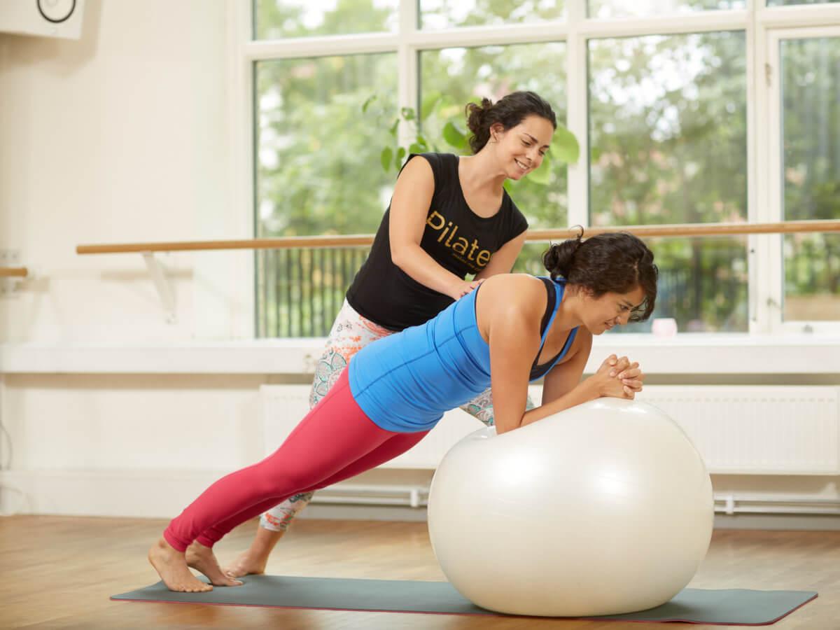 Dating en kvinnlig fitness instruktör
